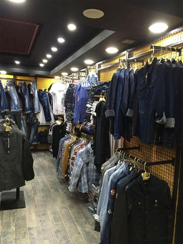 b7847aedc267b Kafeler Caddesi'nde Cafe Dor yanında Erkek Giyim Mağazası OPEN STORE Giyim  açıldı. Kışlık mont, kot çeşitleri, kazaklar ve birbirinden güzel ürünleri  ile ...