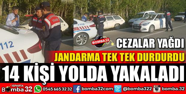 JANDARMA 14 ŞÜPHELİYİ YOLDA YAKALADI